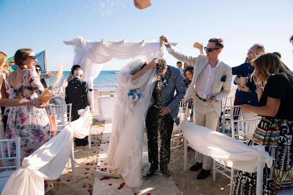 Matrimonio Spiaggia Toscana : Matrimonio al mare follonica gianfranco bernardo real moments